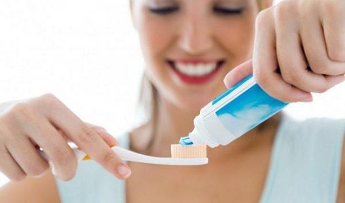 Cách dùng kem đánh răng Oral-b